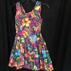 Vintage nwot floral open back mini dress